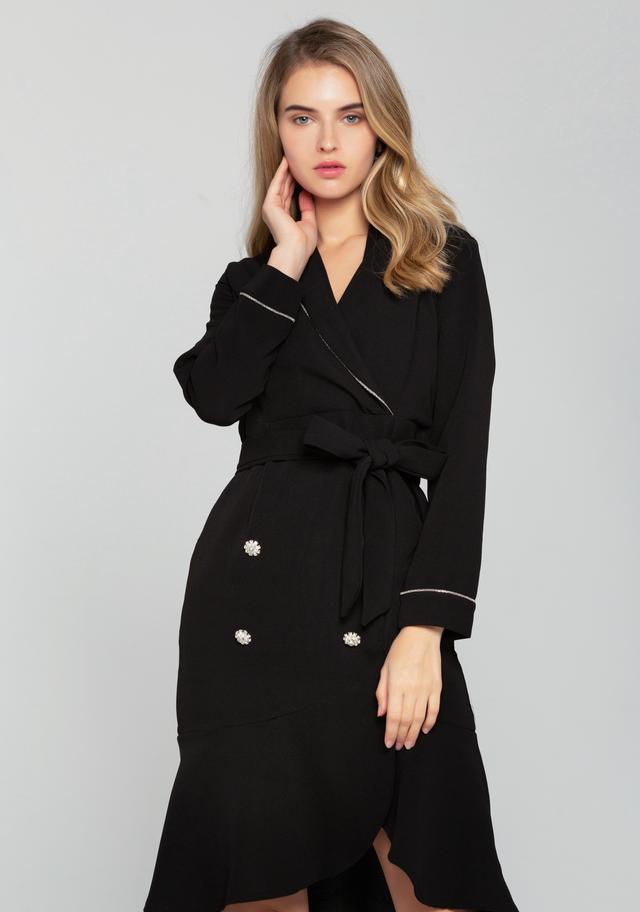 Perfect ways to rock winter black coat