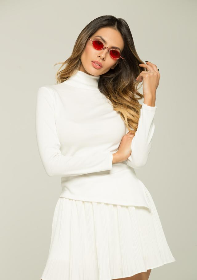 Perfect ways to rock winter white and shades