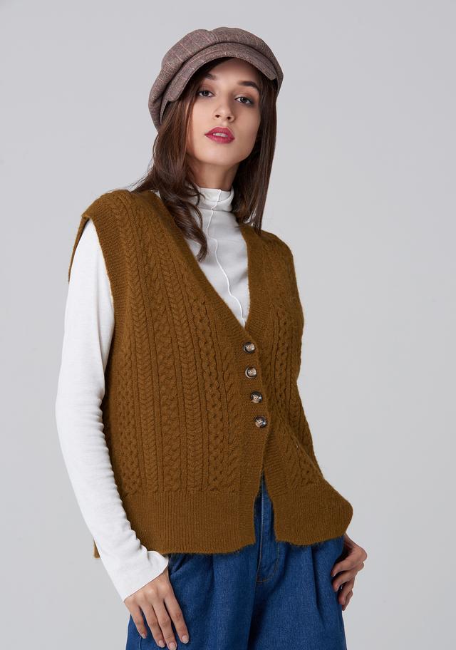 Perfect ways to rock winter brown vest