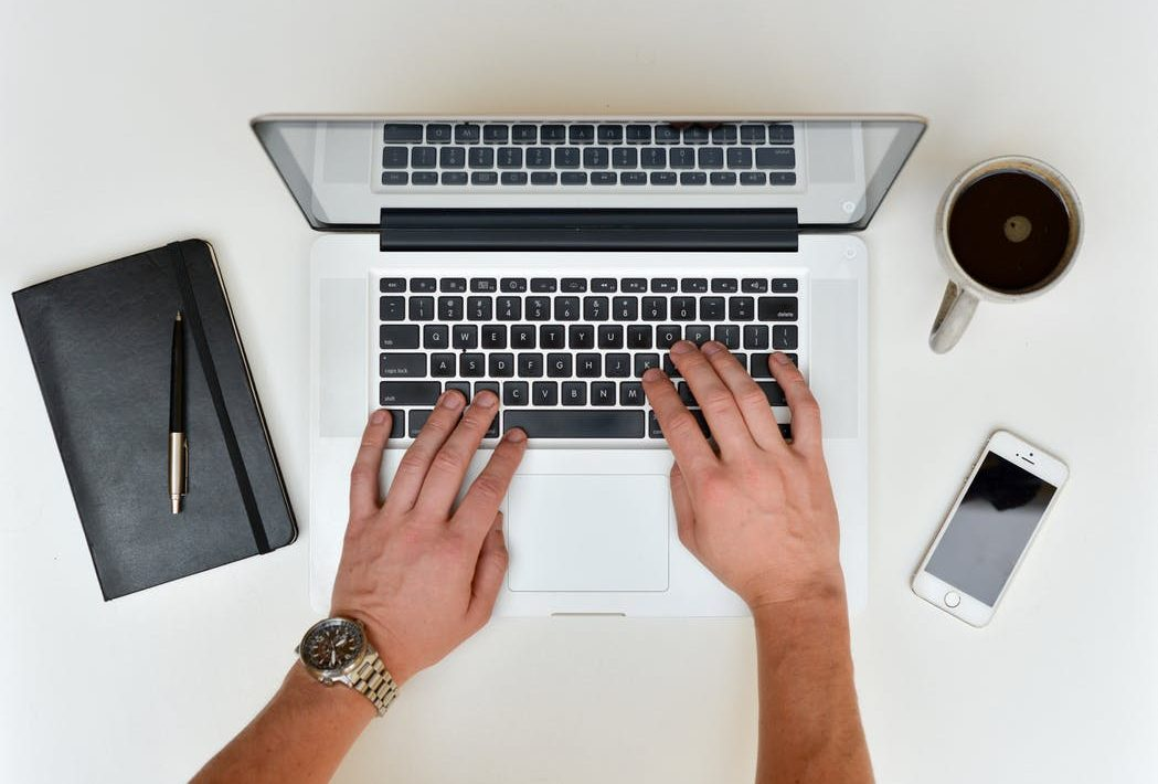 """5 reasons to type """"professional resume writers near me"""" into your search engine"""